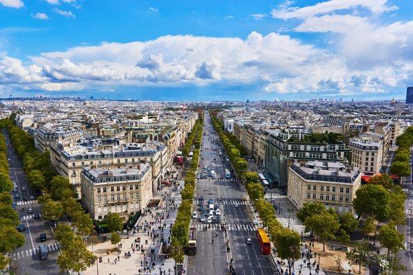 Champs-Elysée Párizs leghíresebb útja