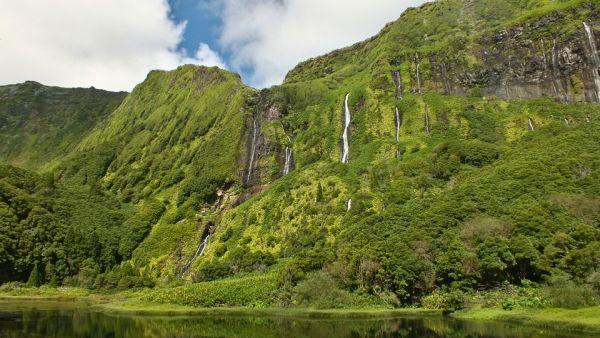 Természeti látnivalókban Flores szigete a legszebb