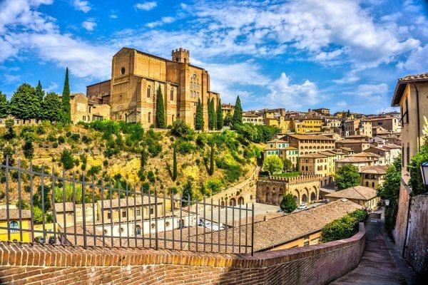 Siena Európa Siena Európa egyik legnagyszerűbb gótikus városa