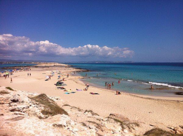 Ibiza látnivalók között van Formentera szigete