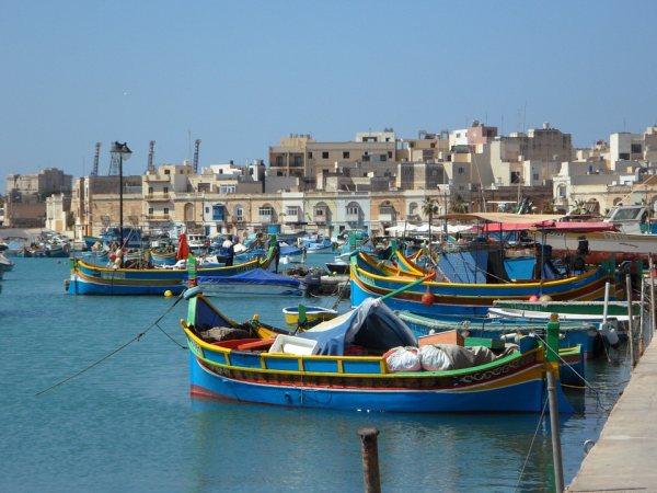 Málta látnivalók között van Marsaxlokk