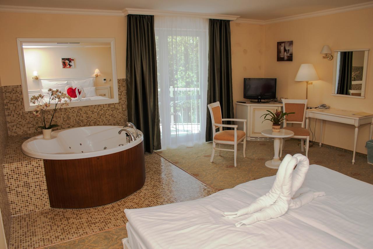 Calimbra Hotel luxus superior szoba