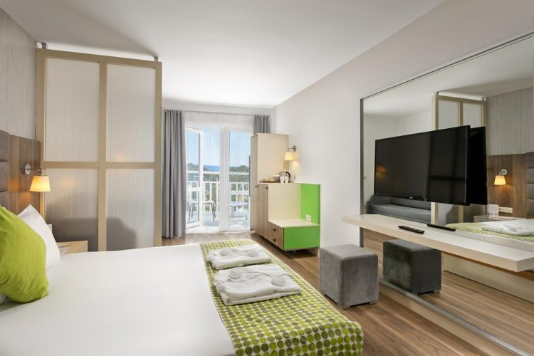 side-otium-hotel-seven-seas-1