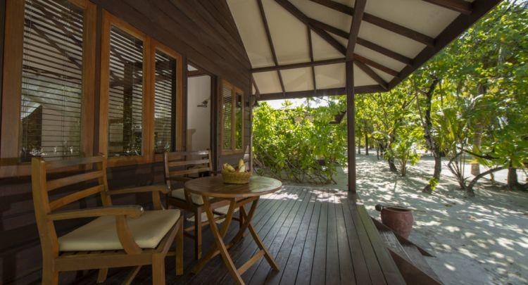 maldiv-filitheyo-island-resort-deluxe-3