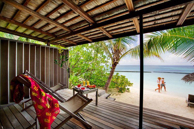 maldiv-szigetek-gangehi-island-resort-beach-villa-2