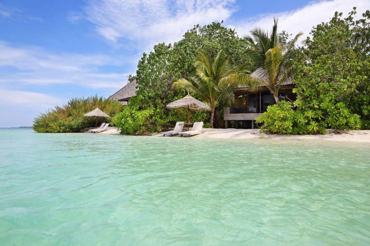 maldiv-szigetek-gangehi-island-resort-beach-villa-3