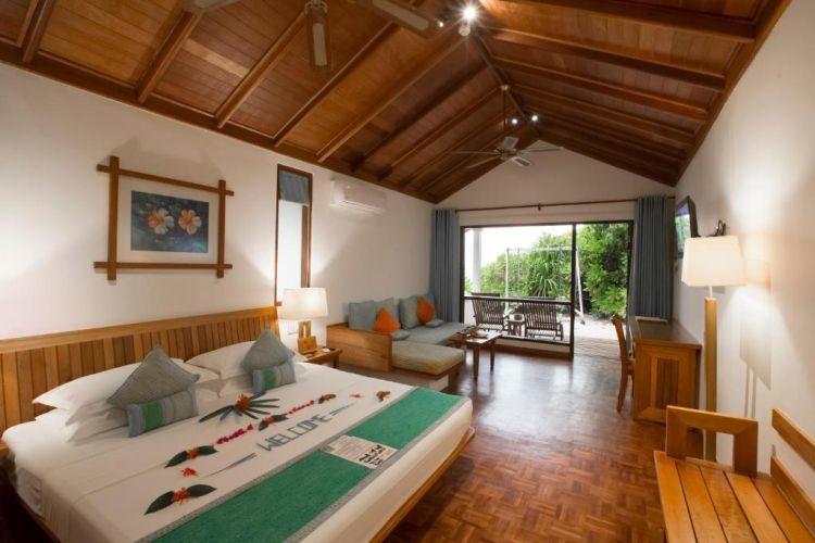 maldiv-szigetek-reethi-beach-resort-deluxe-villa-2