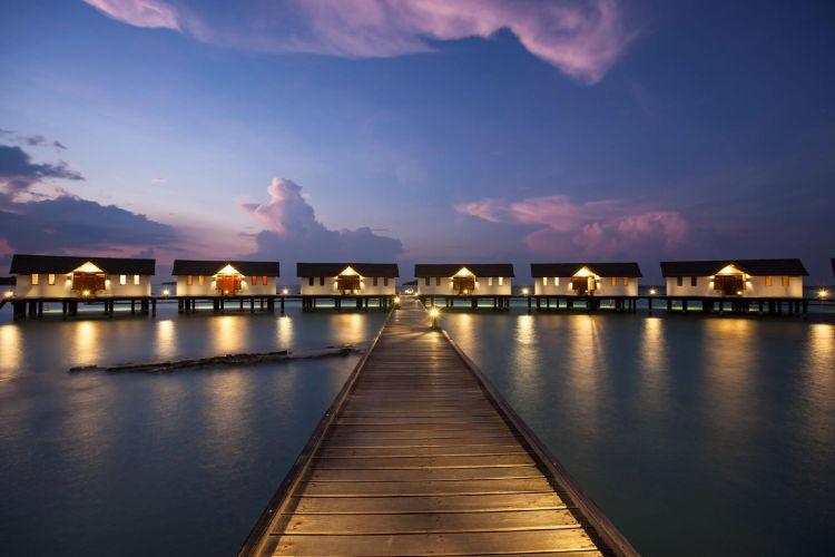 maldiv-szigetek-reethi-beach-resort-water-villa-2