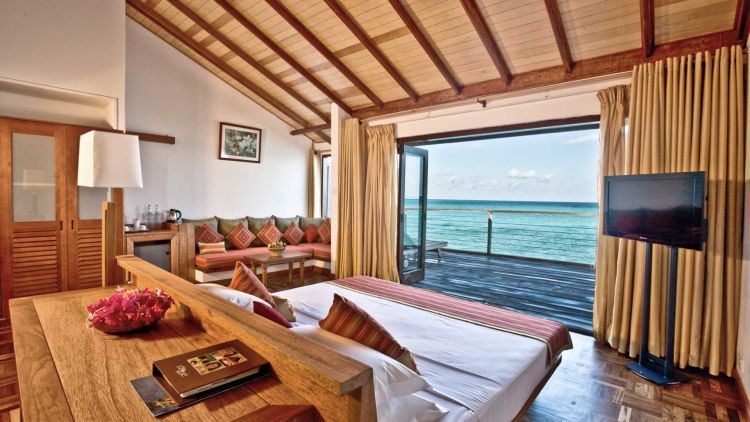 maldiv-szigetek-reethi-beach-resort-water-villa-4
