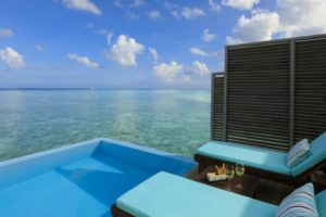 maldiv-szigteek-velassaru-vizi-villa-medencevel-1